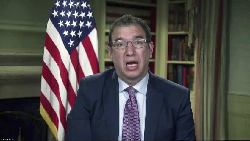 En esta toma de video del 27 de enero de 2021, Andy Slavitt, asesor del equipo de la Casa Blanca contra el COVID-19.