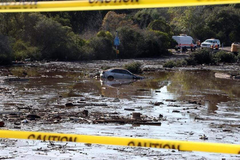 Los equipos de rescate continuaron hoy la búsqueda de supervivientes entre el lodo y los escombros tras las tormentas que han afectado especialmente a la localidad de Montecito, al noroeste de Los Ángeles, donde se han registrado 17 muertos y 28 heridos. EFE