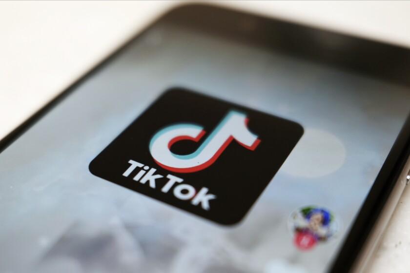 Esta fotografía de archivo del lunes 28 de septiembre de 2020 muestra el logo de la aplicación TikTok
