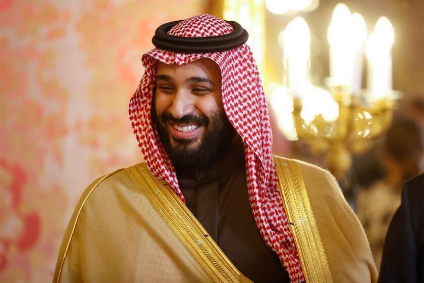 La Agencia Central de Inteligencia (CIA) ha concluido que el príncipe heredero de Arabia Saudí, Mohamed bin Salmán, ordenó el asesinato del periodista crítico Jamal Khashoggi en el consulado del reino en Estambul a principios de octubre, reveló hoy The Washington Post. EFE/ARCHIVO