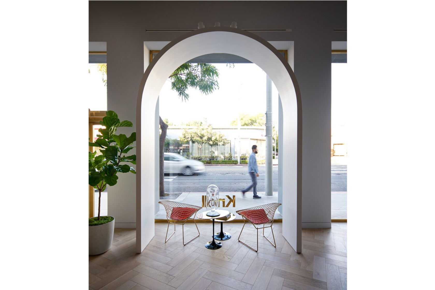 4fff8c1f9b3 Knoll's sleek new showroom opens in West Hollywood - Los Angeles Times