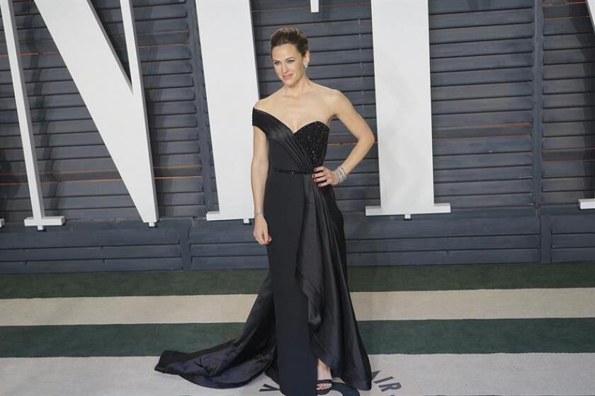 La actriz norteamericana Jennifer Garner posa para la prensa a su llegada a la tradicional fiesta Vanity Fair. EFE/Archivo