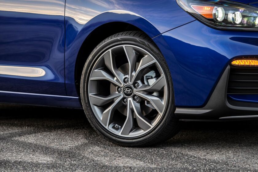 -ElantraGT-N-Tire-Wheel.jpg