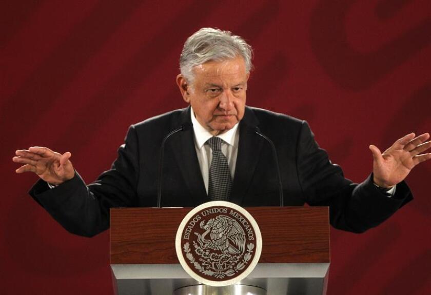 El presidente de México, Andrés Manuel López Obrador, habla en rueda de prensa este miércoles, en el Palacio Nacional de Ciudad de México (México). EFE