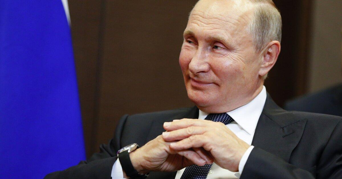 Putin seems to be enjoying the Trump impeachment show