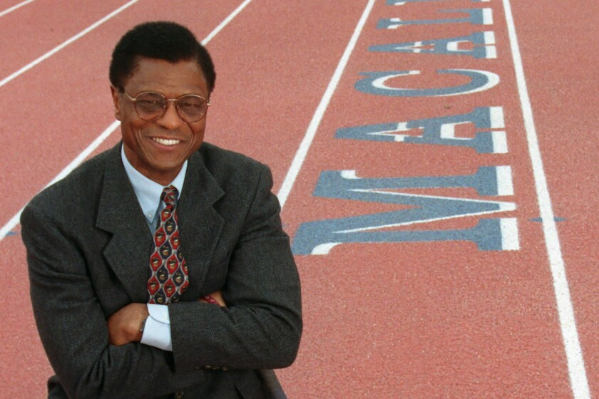 Irv Cross at Macalester College in St. Paul, Minn., in 1999.