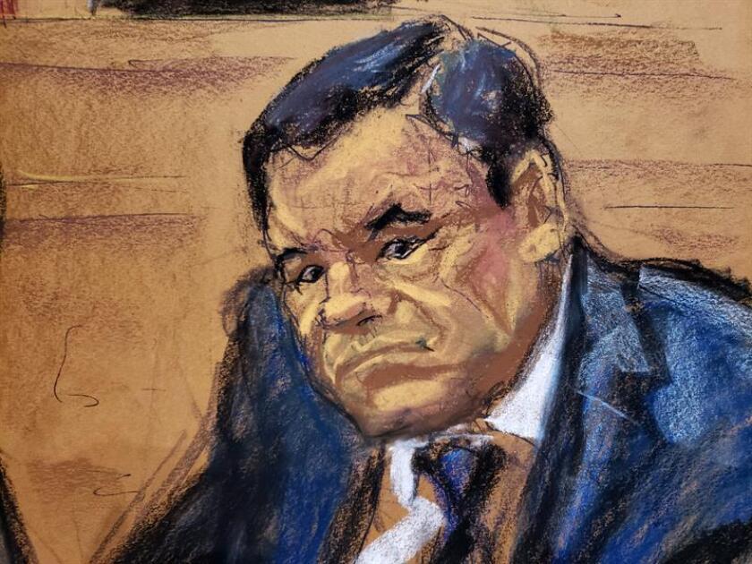 """Reproducción fotográfica de un dibujo realizado por la artista Jane Rosenberg donde aparece el narcotraficante mexicano Joaquín """"El Chapo"""" Guzmán mientras escucha al inicio del primer día de su juicio en el tribunal del Distrito Sur en Brooklyn, Nueva York (EE.UU.). EFE/Archivo"""