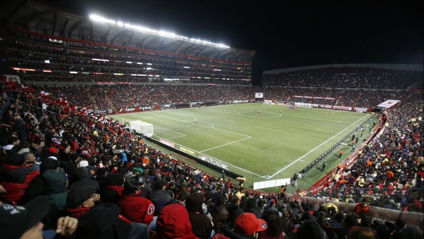 Cetys tijuana football betting how to read betting spreads