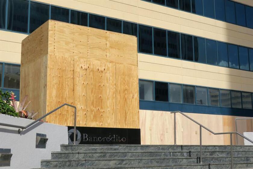 Fotografía de archivo del edificio de UBS en San Juan. EFE/Archivo