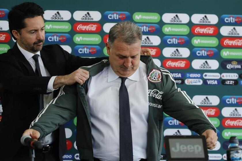 Martino asegura tener los futbolistas suficientes para sobresalir con el tri