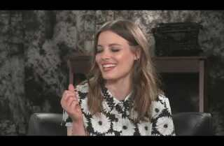 Gillian Jacobs of Netflix's 'Love' talks female empowerment and that 'Community' movie