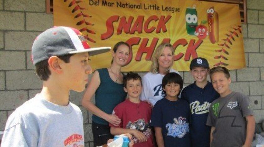 Jen Eastlack and Rebecca Klein with DMLL players