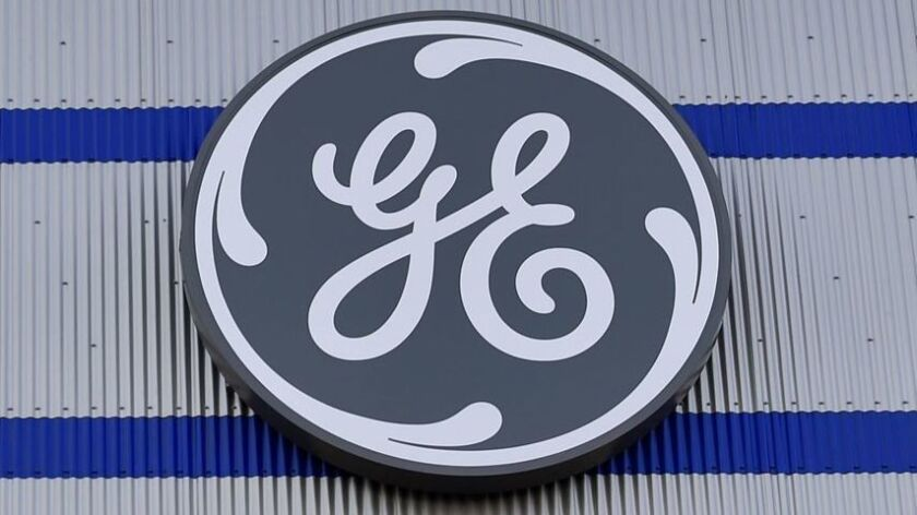 The Securities and Exchange Commission is expanding its investigation of General Electric's accounting.