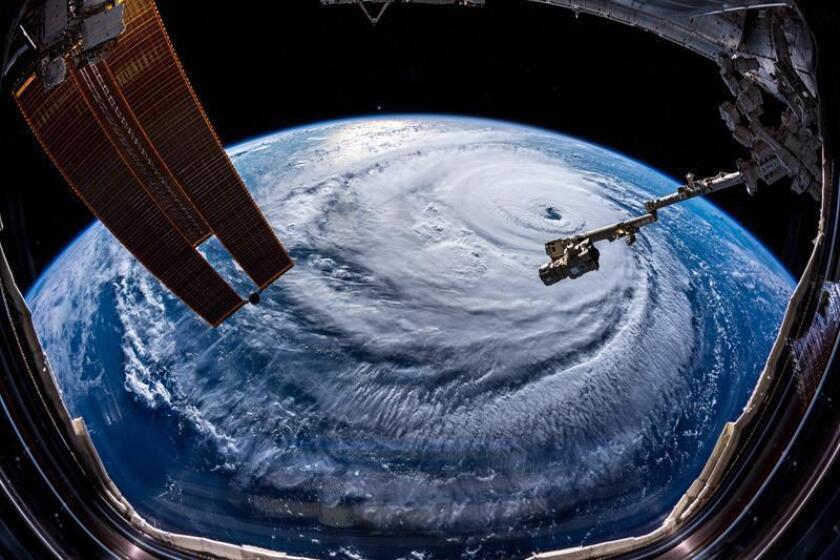 Fotografía del huracán Florence captada por el astronauta de la Agencia Espacial Europea (ESA) Alexander Gerst desde la Estación Espacial Internacional (EEI), ayer, 12 de septiembre de 2018. EFE/ Alexander Gerst/ Fotografía facilitada por la NASA SOLO USO EDITORIAL. PROHIBIDA SU VENTA