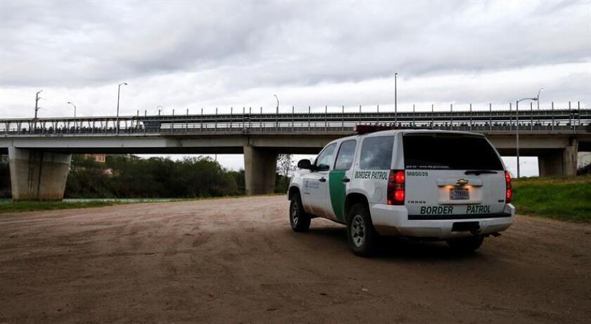 Un inmigrante indocumentado murió en un accidente vehicular tras una persecución de la Patrulla Fronteriza en el condado californiano de San Diego, informaron hoy las autoridades. EFE / Archivo