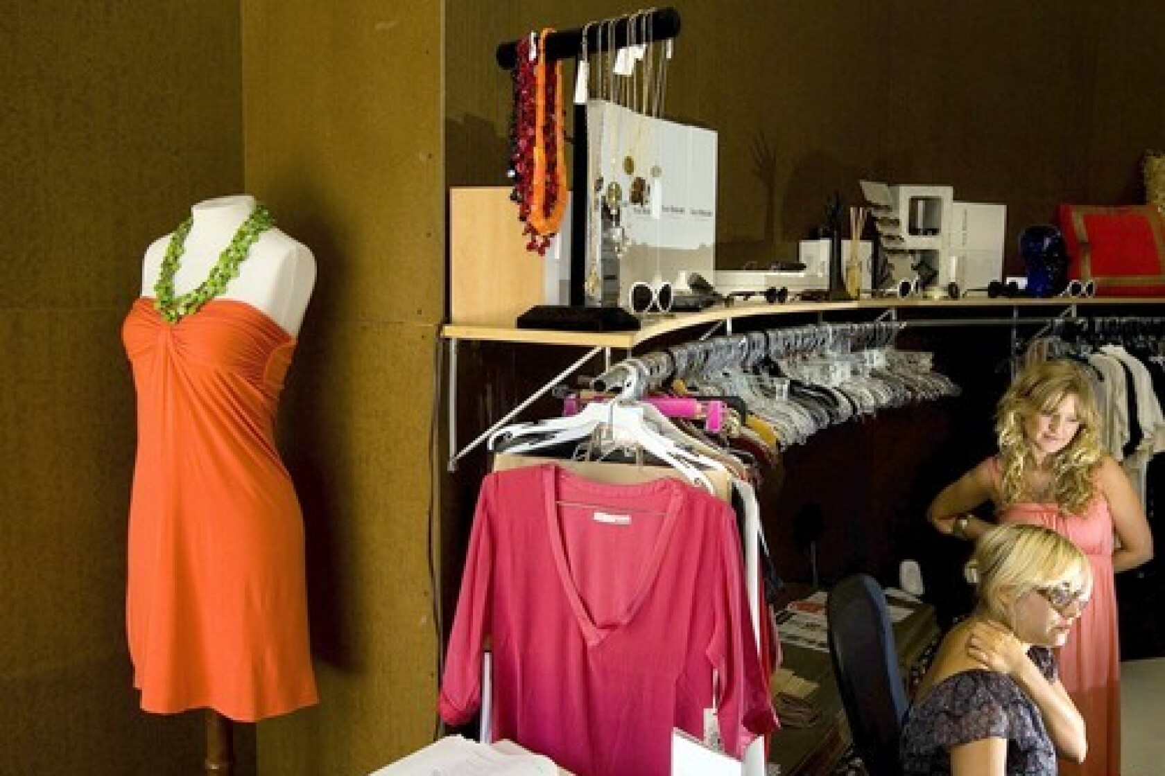 1d64944a Designer outlet shopping in Los Angeles - Los Angeles Times