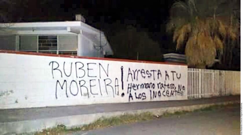 Bardas con mensajes para el Gobernador Rubén Moreira aparecieron en municipios fronterizos como Piedras Negras, (foto), y Guerrero, donde piden encarcelar a su hermano Humberto.
