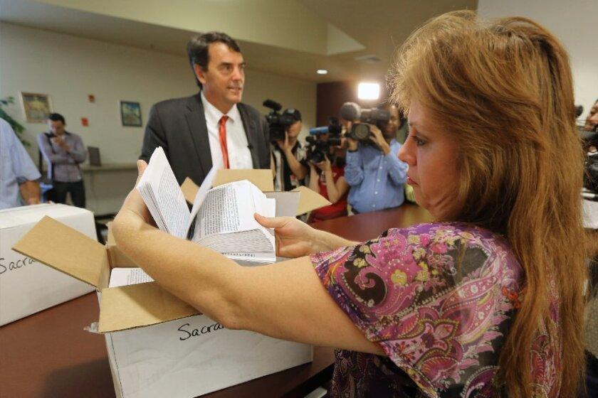 De acuerdo a las estadísticas del Centro Pew, tres décadas después el número de latinos elegibles para votar incrementó de cinco por ciento al 11.4 por ciento.