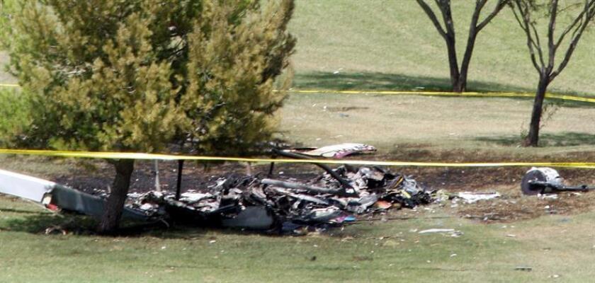 Tres personas murieron y dos resultaron heridas después de que un helicóptero se estrellara hoy en la ciudad californiana de Newport Beach, situada a unos 70 kilómetros al sureste de Los Ángeles. EFE/Archivo