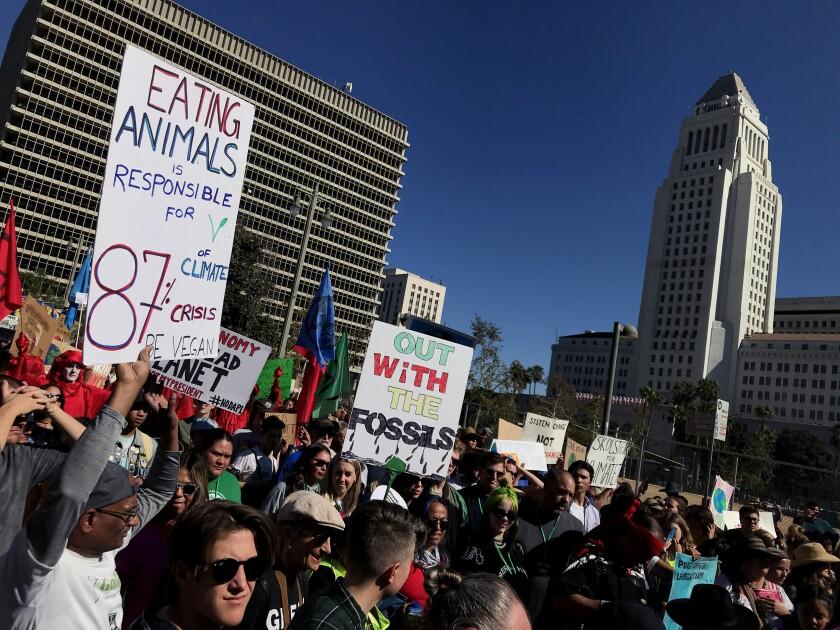 471087-la-me-youth-climate-strike-los-an