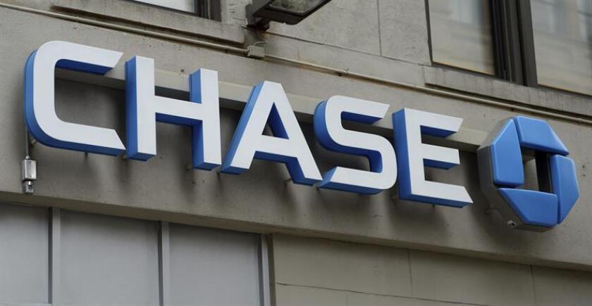 Detalle del logotipo de una sucursal del banco Chase en Nueva York (Estados Unidos). EFE/Archivo