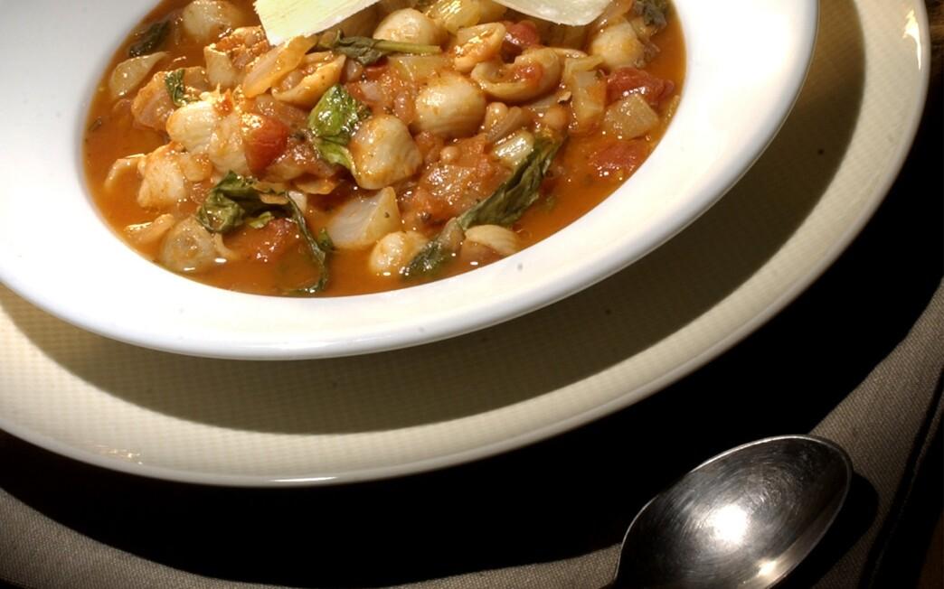 Italian Pasta and Bean Soup With Arugula (Pasta e Fagioli)