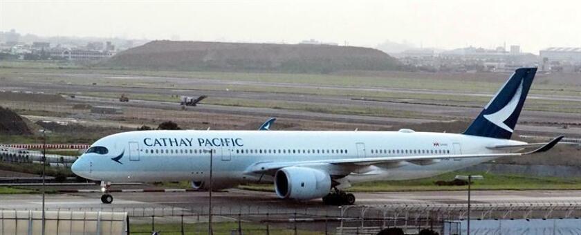 Un avión de pasajeros Cathay Pacific Airways. EFE/Archivo