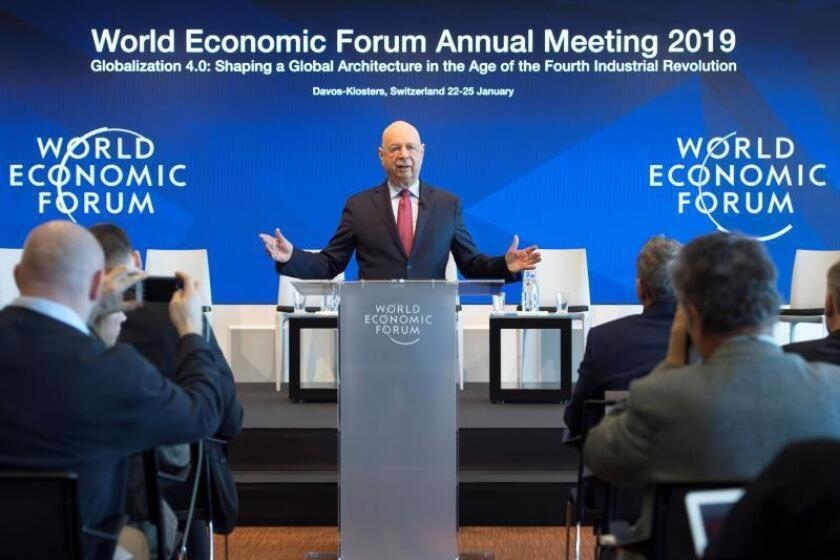 El fundador del Foro Económico Mundial, el alemán Klaus Schwab, ofrece una rueda de prensa en Colonia (Alemania) hoy, 15 de enero de 2019, con motivo de los preparativos para el Foro Económico Global que se celebra en Davos del 22 al 25 de enero. EFE