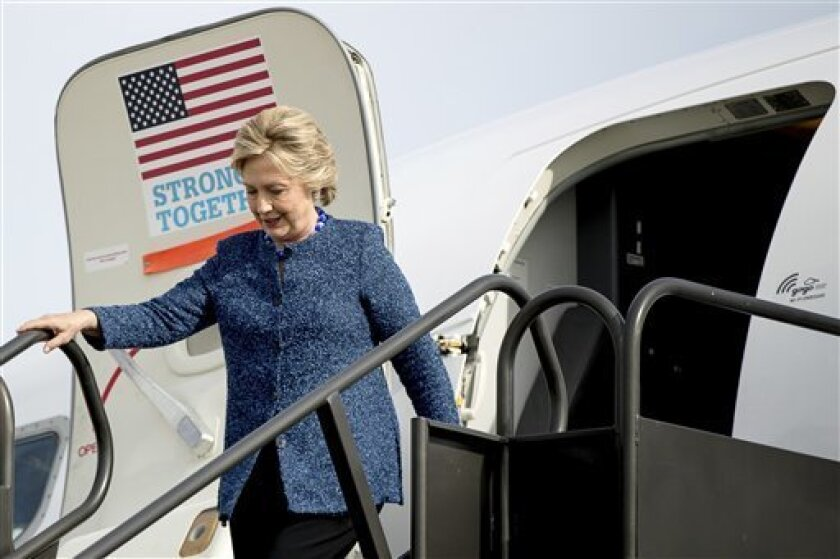 La candidata demócrata a la Casa Blanca, Hillary Clinton, se mostró hoy confiada en que la reapertura de la investigación del FBI sobre el uso de un servidor privado de correo electrónico cuando era secretaria de Estado (2009-2013) no modifique la decisión inicial de no recomendar imputación alguna.