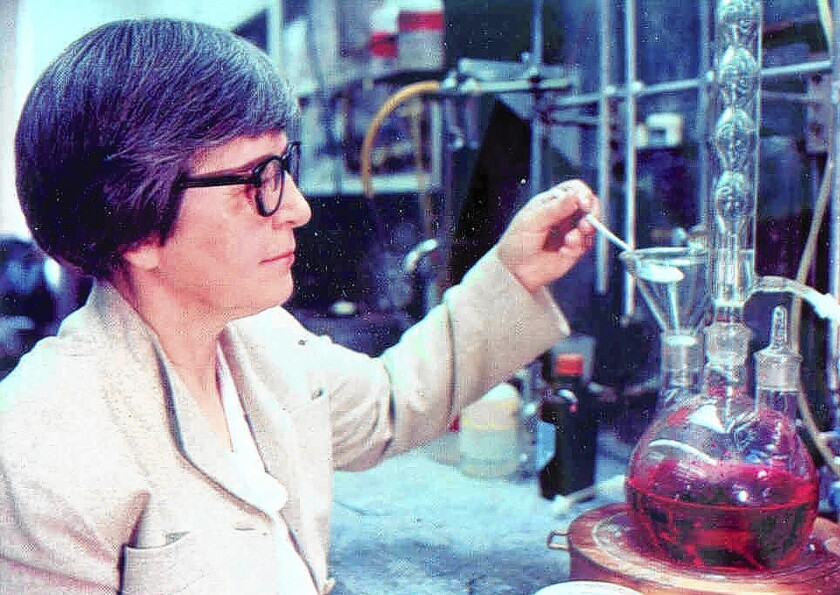 In an undated photo, chemist Stephanie Kwolek works at the DuPont lab in Delaware. Kwolek, whose greatest achievement was her 1965 polymer research that led to the development of Kevlar, died Wednesday.