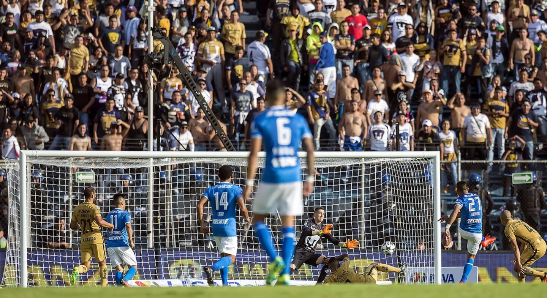 Jorge Benítez tuvo la gran oportunidad del partido, pero el portero Alejandro Palacios, de gran labor, alejó el peligro.