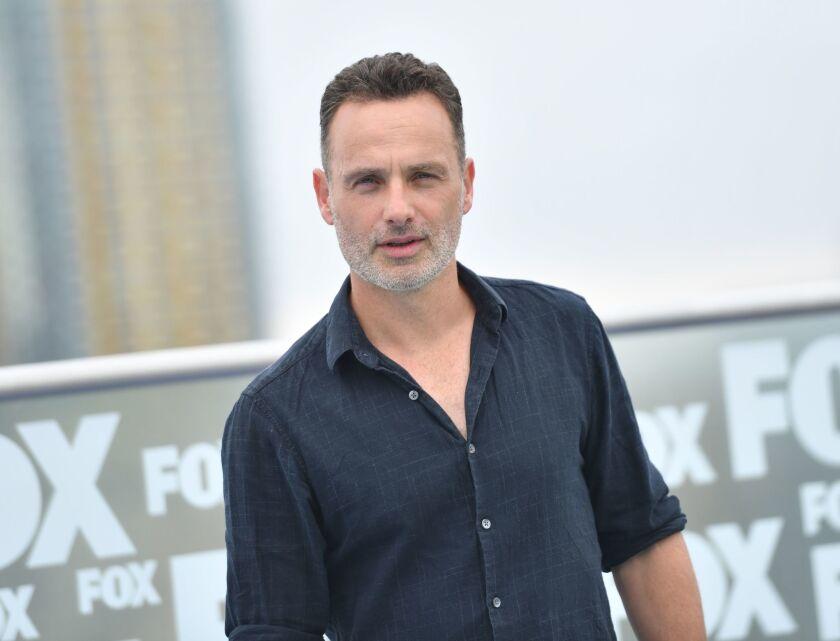 """Andrew Lincoln a su paso por la alfombra de """"The Walking Dead"""" en Comic-Con International 2018 de San Diego, California."""