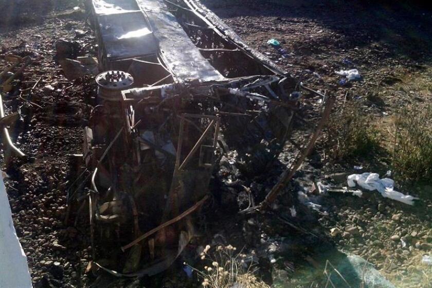 Al menos ocho personas fallecieron hoy y 15 resultaron heridas tras volcarse un camión de carga en una carretera federal del occidental estado de Jalisco, informaron a Efe fuentes de Protección Civil de la región. EFE/ARCHIVO/SOLO USO EDITORIAL