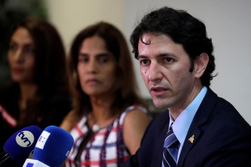 El nuevo ministro de Turismo de Panamá, Iván Eskildsen, habla durante una rueda de prensa este martes, en Ciudad de Panamá (Panamá). EFE/Bienvenido Velasco