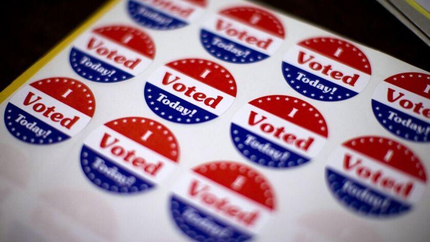 EEUU: Mujer vota a pesar de haber iniciado el parto