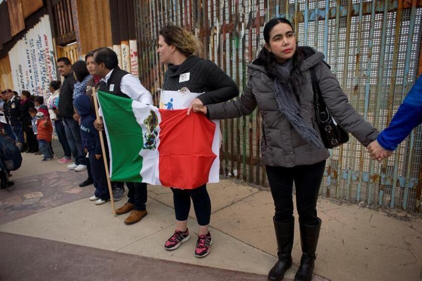 Protesta en favor de los derechos de los inmigrantes en frontera de México. EFE/Archivo