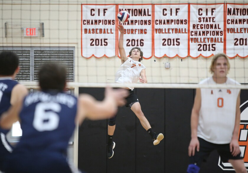 Newport Harbor boys' volleyball improves to 30-0 with sweep
