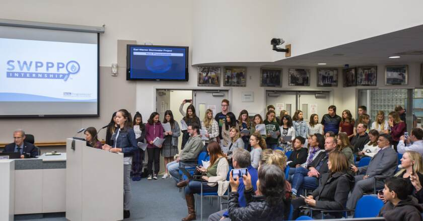 Earl Warren Middle School students asked the Solana Beach City Council to reduce the city's contribution to plastic in the ocean by switching from plastic net straw wattles to ones that use biodegradable natural netting.