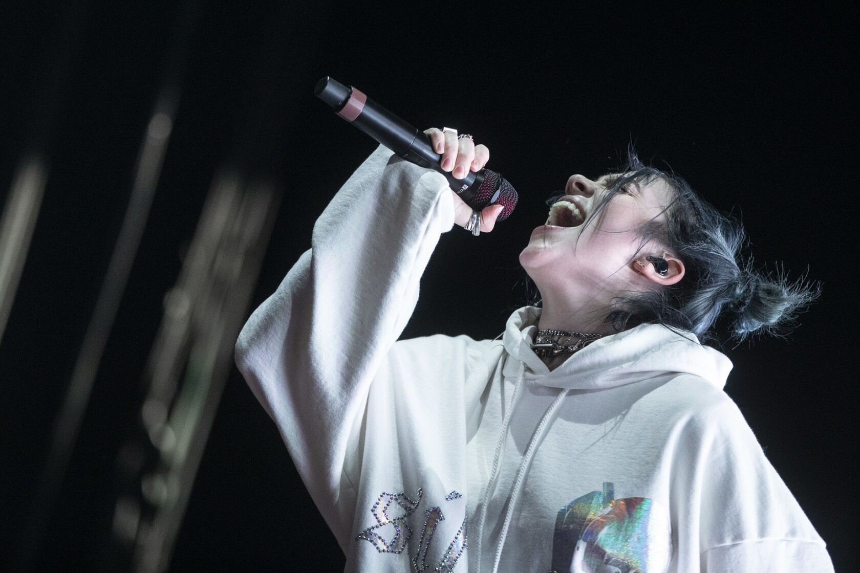 Review: Billie Eilish's packed Coachella debut was worth the