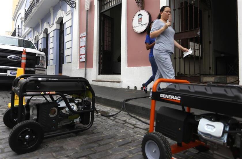 """La Cámara de Representantes de Puerto Rico dio paso al proyecto 1297, de la autoría del representante Jorge Navarro, que crea la """"Ley de Cumplimiento de Garantía de Generadores Eléctricos"""". EFE/ARCHIVO"""