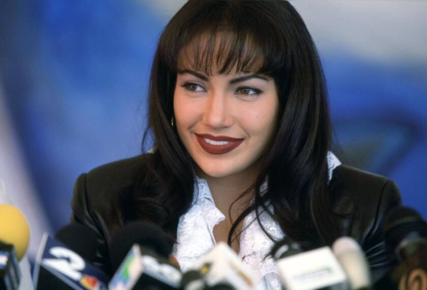 Jennifer López en su interpretación de Selena