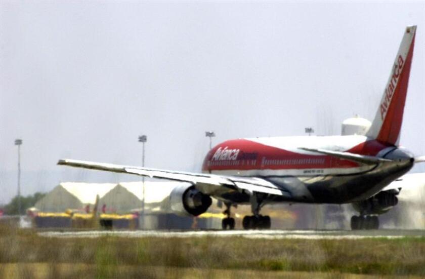 De acuerdo con la compañía aérea, los vuelos internacionales a esas ciudades serán interrumpidos a partir del próximo 31 de marzo, pero se mantendrán los 26 destinos restantes. EFE/Archivo