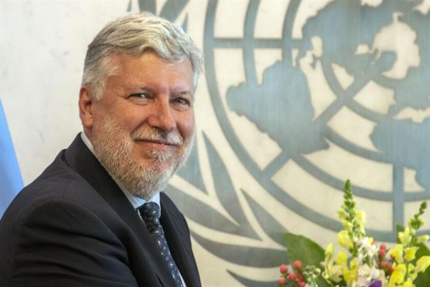 """España defendió hoy en la ONU que es """"muy urgente"""" negociar un acuerdo sobre el estatuto jurídico de Gibraltar de cara a la salida del Reino Unido de la Unión Europea (UE) y advirtió de que, sin ese entendimiento, puede producirse un """"desastre económico"""" en la zona. El embajador español ante Naciones Unidas, Agustín Santos. EFE/ARCHIVO"""