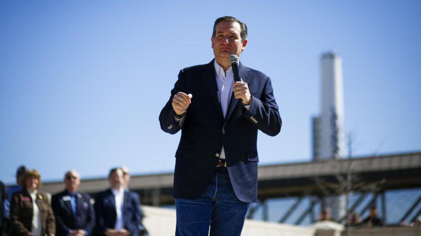 """Con un abanico ya reducido de aspirantes a la nominación presidencial del Partido Republicano, Ted Cruz ha intentado distinguirse como el campeón de una gran cruzada a favor de lo que llaman los """"valores originales"""" de Estados Unidos, en línea con su discurso desde su asunción como senador por Texas, en 2013."""