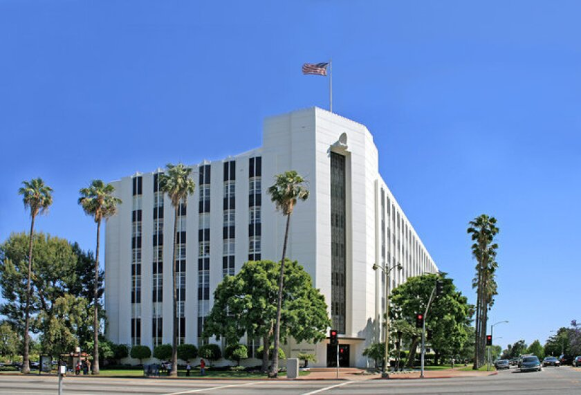Farmers Insurance Plans Move From Mid Wilshire To Woodland Hills