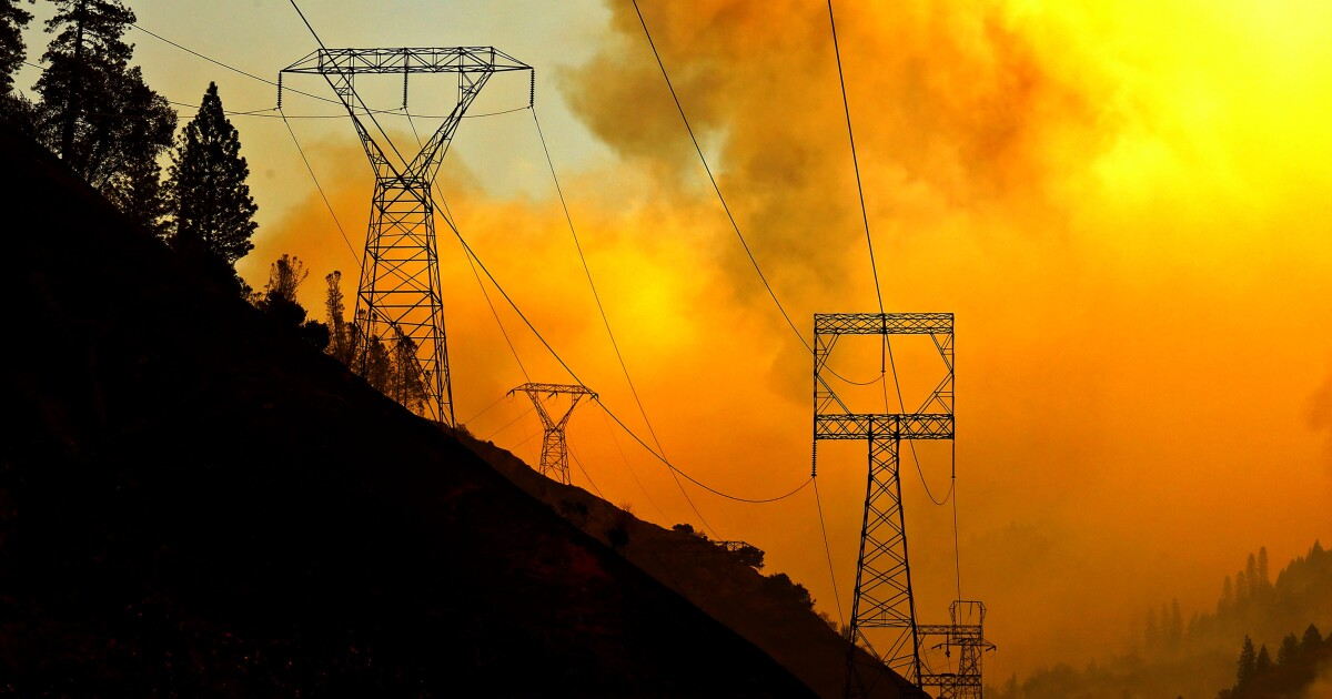 PG&E should be fined $166 million for botched power shut-offs, watchdog agency says