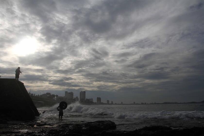 A las 22.00 horas (03.00 GMT del jueves) Aletta se localiza 680 kilómetros al suroeste de Manzanillo, estado de Colima, y 675 kilómetros al sursuroeste de Playa Perula, estado de Jalisco, precisó el SMN en su más reciente informe. EFE/Archivo