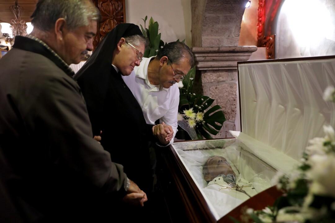 Siblings mourn Jesus Tovar Sanchez