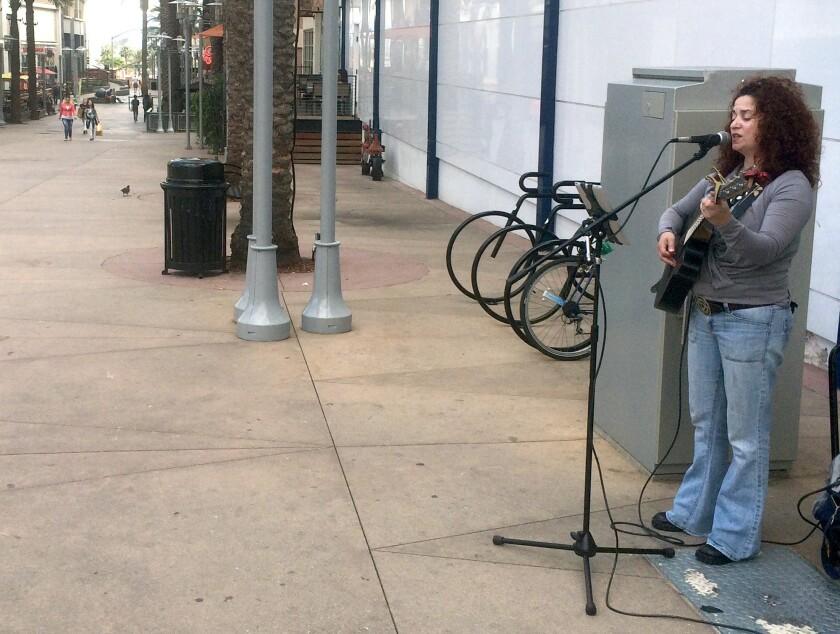 Downtown Burbank street performer