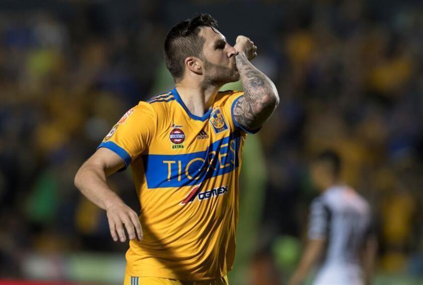 Andre Gignac de Tigres festeja una anotación ante Xolos de Tijuana hoy, sábado 10 de marzo de 2018, durante el partido correspondiente a la jornada 11 del Torneo Clausura 2018, en el estadio Universitario de la ciudad de Monterrey (México). EFE